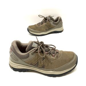 New balance brown women's hiking shoes size 8.5 B